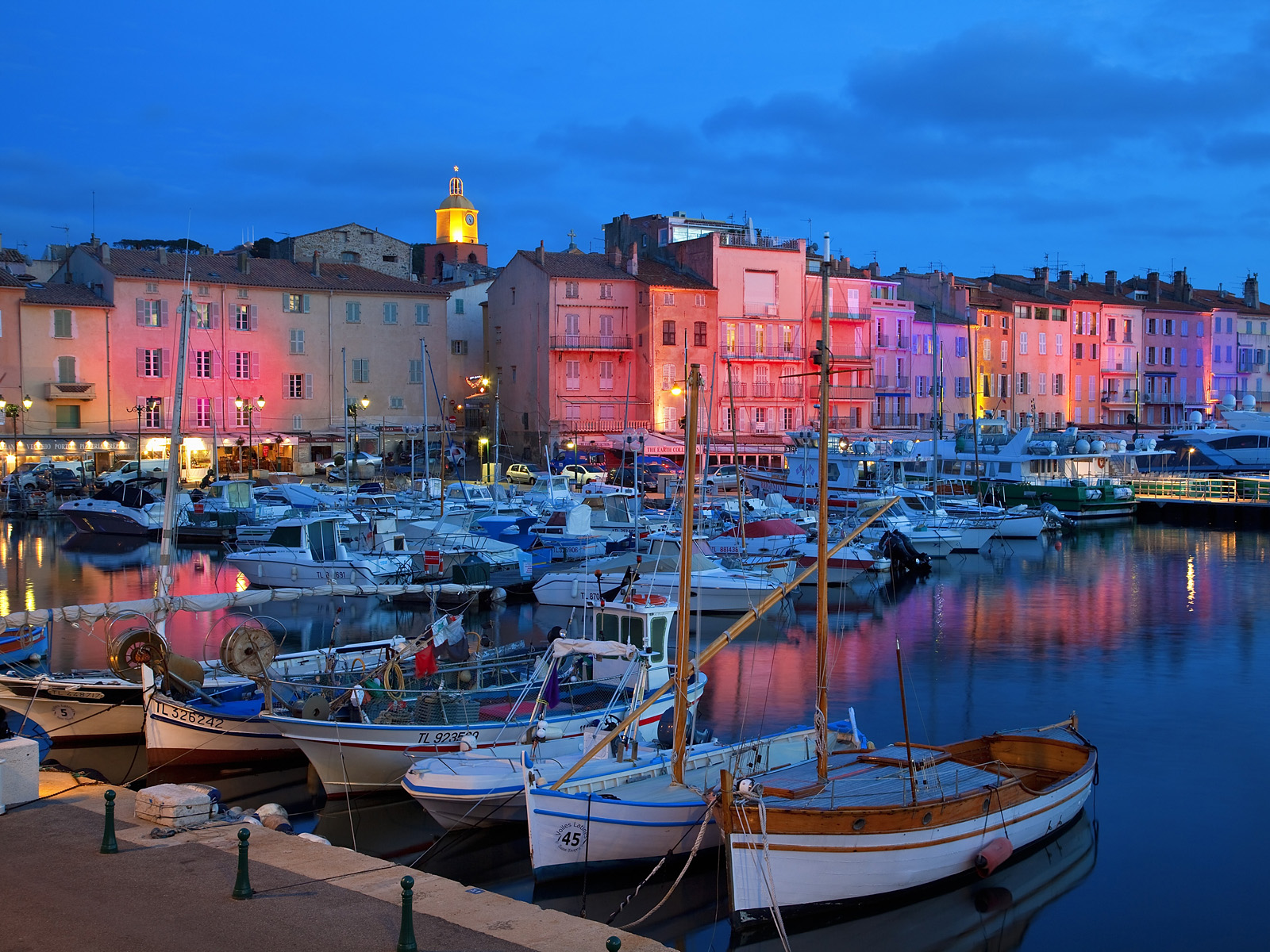 Saint-Tropez by night