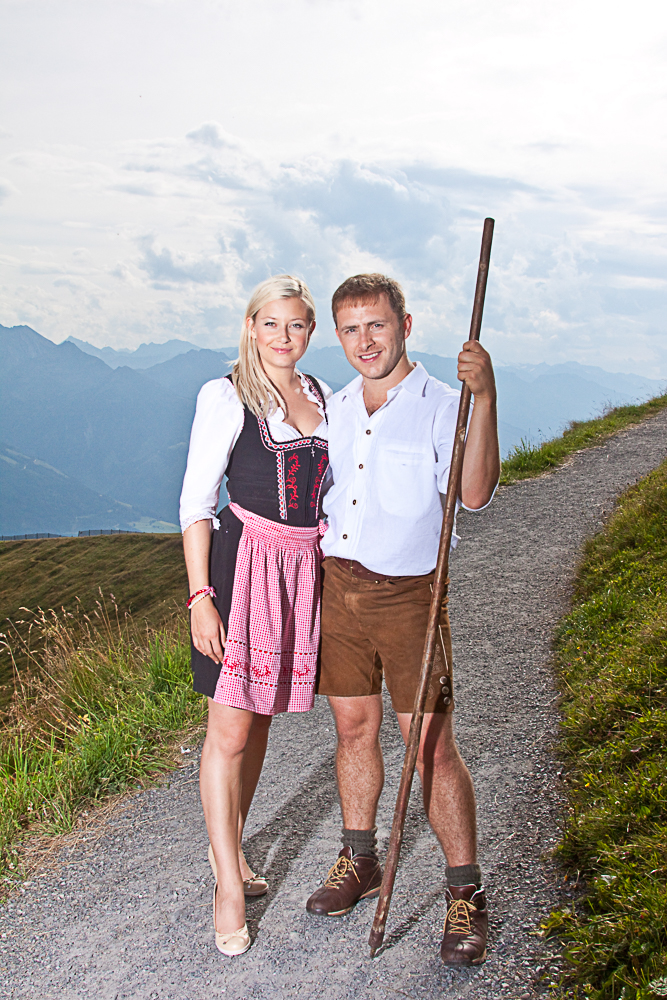 Heidi&Peter in Tracht