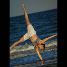 My young acrobat _#jjdphoto2art #beach #