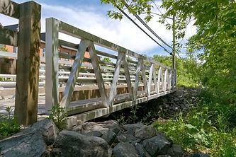 Pont pour la piste cyclable de l'avenue Elm