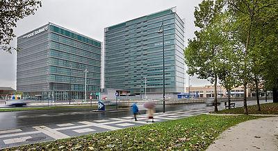 Hôtel et Tour de Bureaux