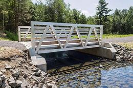 Lac-Jérôme Dam Bridge