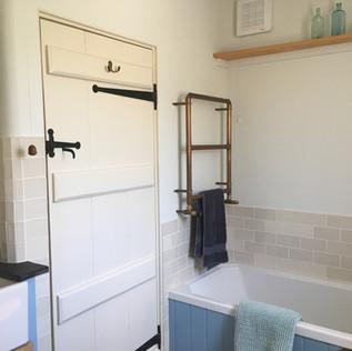 Vine Cottage Bathroom
