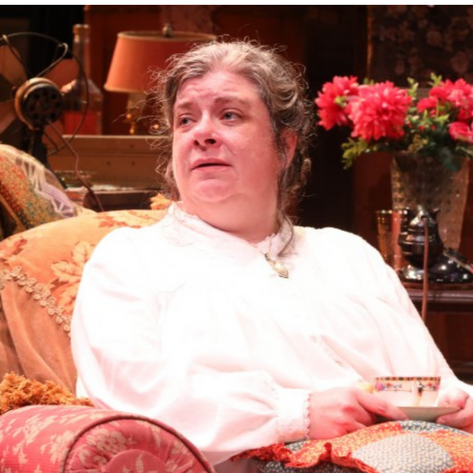 Polly McKie as Sophie Gluck