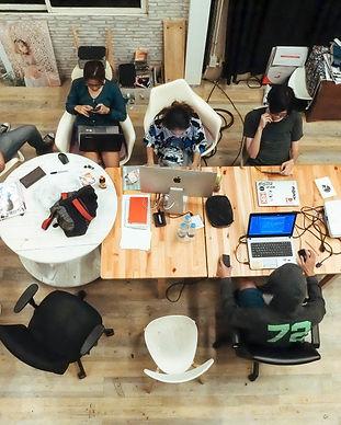 start-up-work-space_t20_0ALljV.jpg