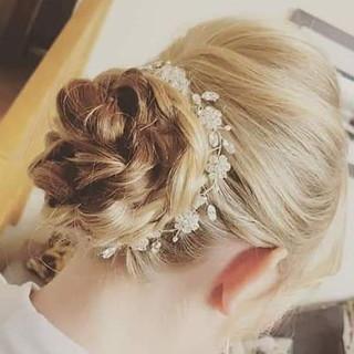 bridal hair bun ❤ again on of our 2018 b