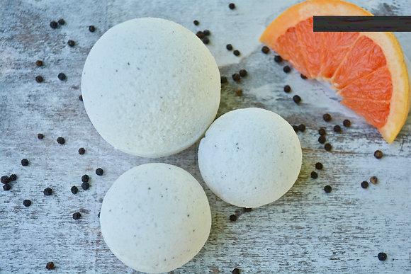 Grapefruit & Black Pepper Bath Bomb