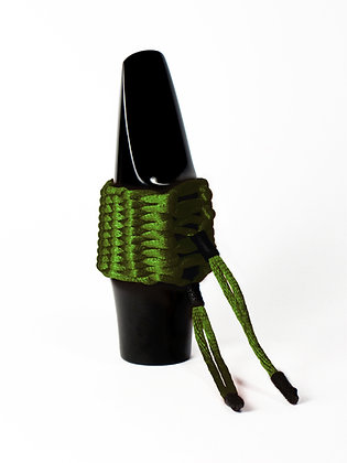 Art.AA08- Bambú's String Ligature for Alto Saxophone (olive green)