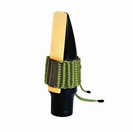 Art.AT08- Bambú's String Ligature for Tenor Saxophone (Olive Green)