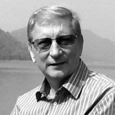 Dr. Rolf Gennrich