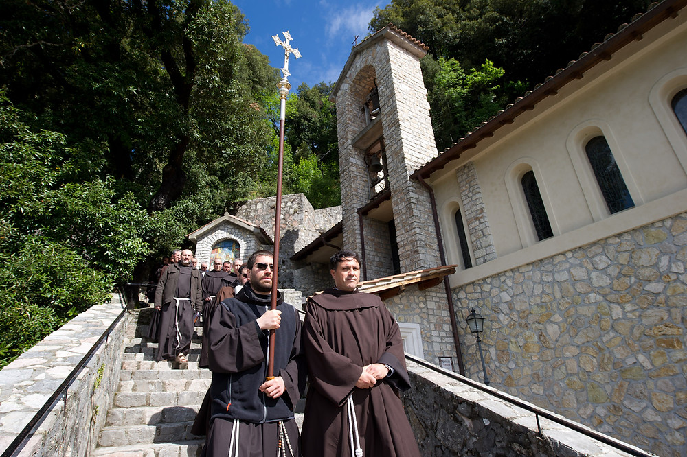 i frati in processione
