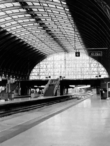 Paris Train Station