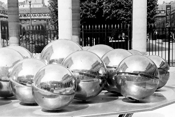 Louvre Spheres #2