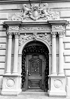 Door to Lucerne