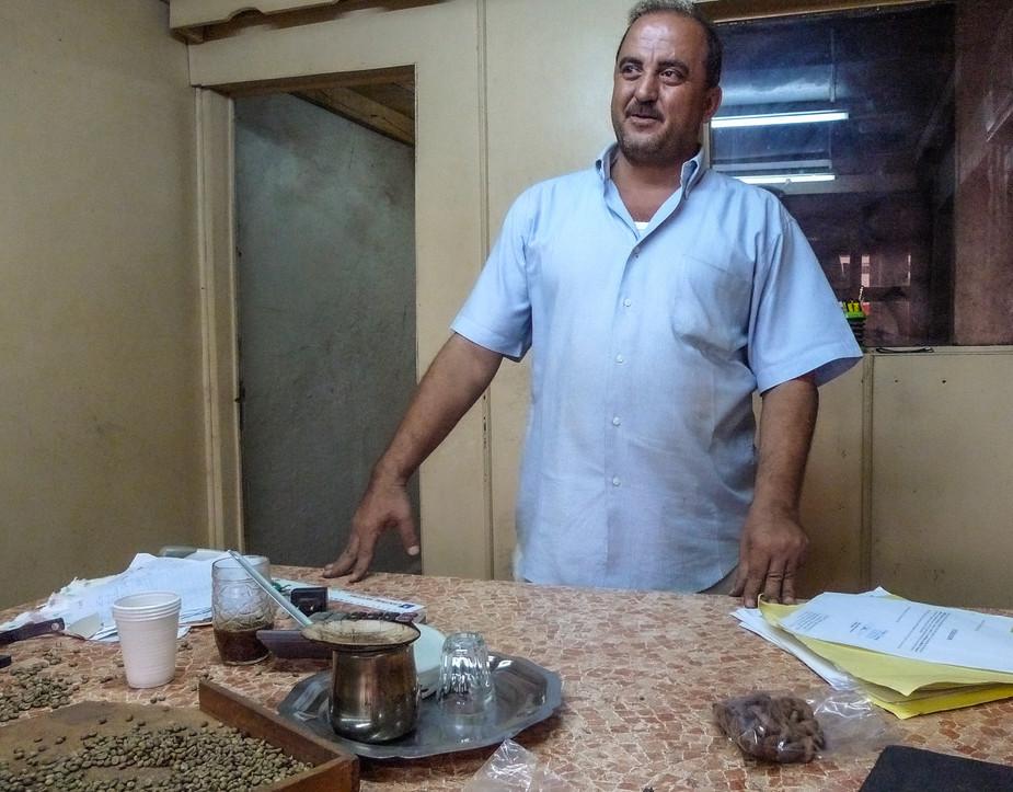 Hamadi Hussein, traitant (négociant de cacao en semi-gros) à Issia, Côte d'Ivoire