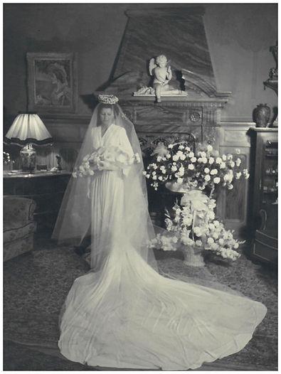 Mariage Maman ds Salon Bleu 19.04.31.jpg
