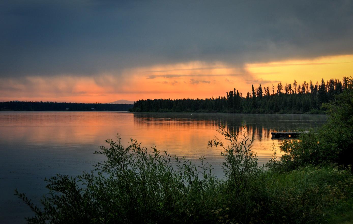 Anahim Lake, le rougeoiement des incendies