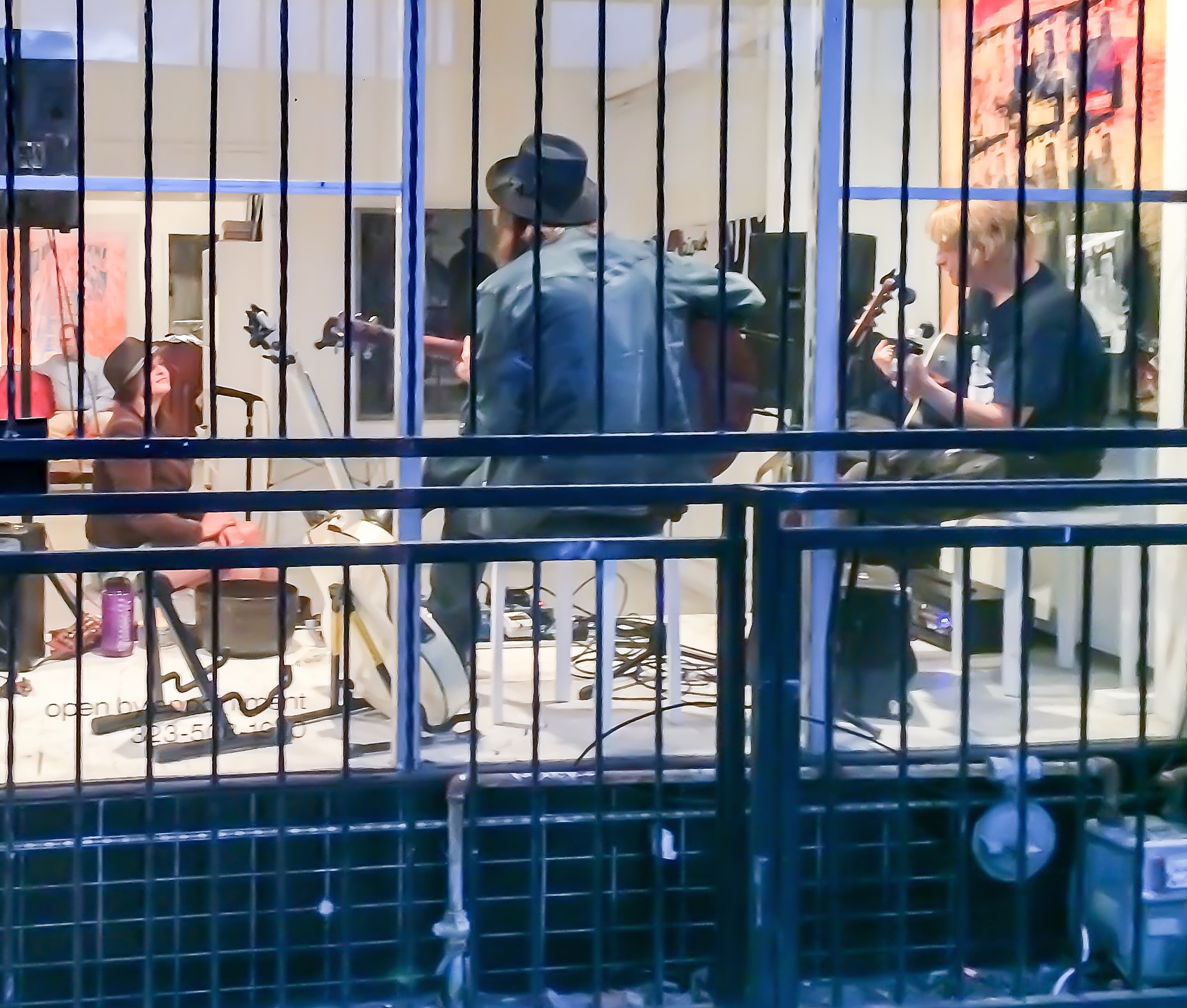 Music at galleryGOMEZ