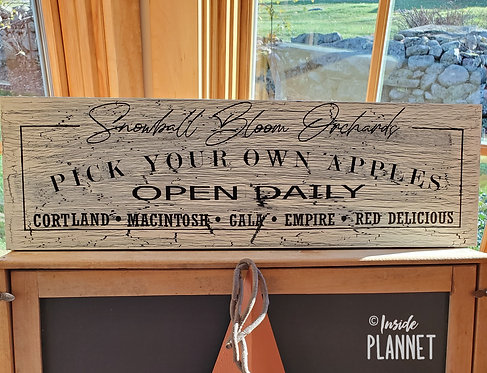 """Handcrafted Wooden Sign -Personalize """"Pick Your Own Apples""""  from InsidePlannet.com"""