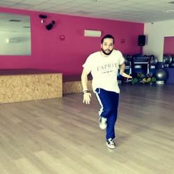 #hiphop #breakdance #dance #moveyourbody Il s'appelle Soulimane alias Souli👟👟 Il est Professeur de