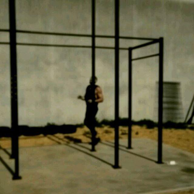 #workout #soleil☀️ #nopainnogain 😁 go à l'extérieur pour un petit WOD, quand l'appel du ☀ est le pl