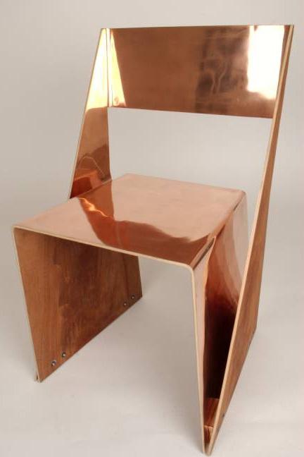Chaise en cuivre