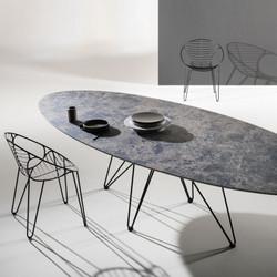 Une table ovale pour 10 personnes