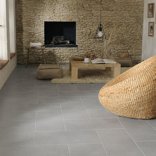 Un sol gris et matériaux naturels