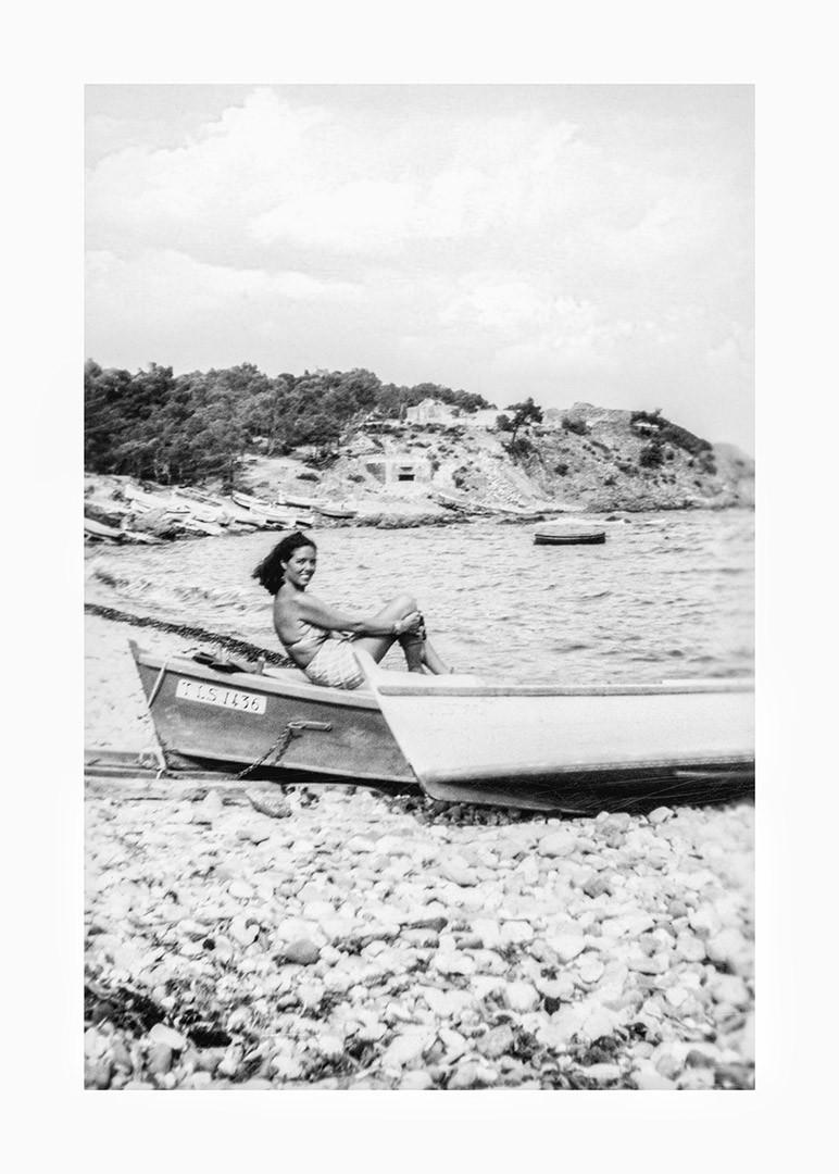 Je prend l'aire marin dans cette barque posée sur le rivage