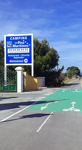 "Panneau du camping ""Les Pins Maritimes"""