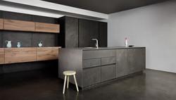 Une cuisine gris, bois et noir