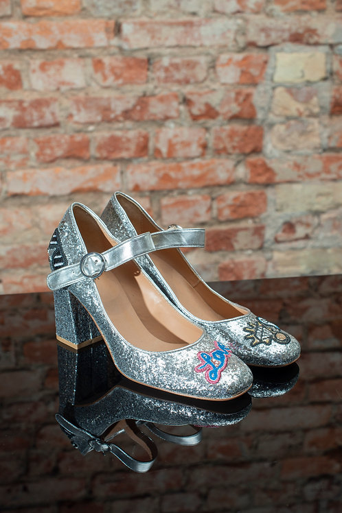 Pantofle srebrne - LOVE MOSCHINO