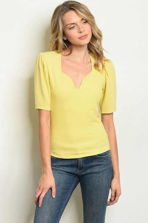 Top Chic - Short puff sleeve sweetheart neckline blouse