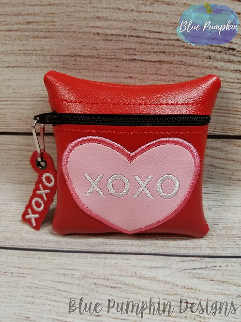 XoXo ITH Zipper Bag Design