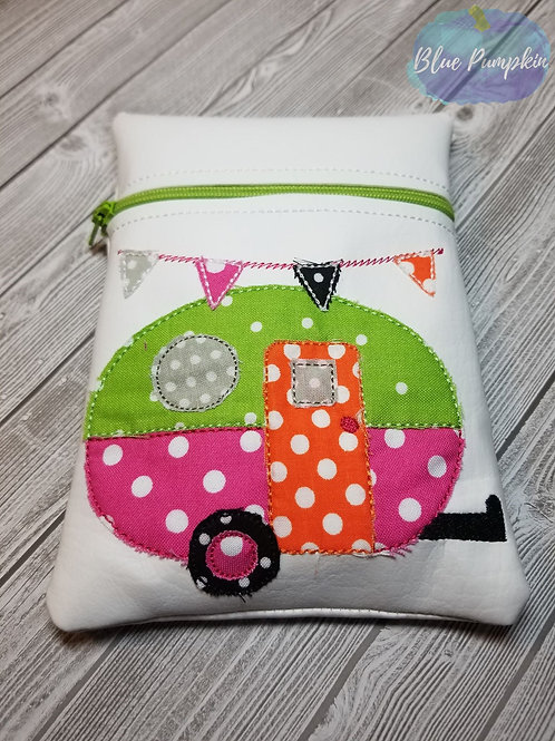 Camper Shabby Chic  7x5 ITH Zipper Bag Design