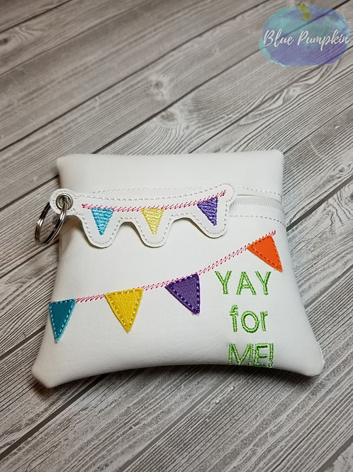 YAY for me...  5x5 ITH Zipper Bag Design