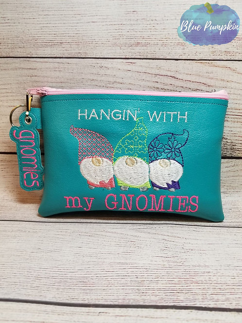5x7 Hanging with Gnomies ITH Bag Design