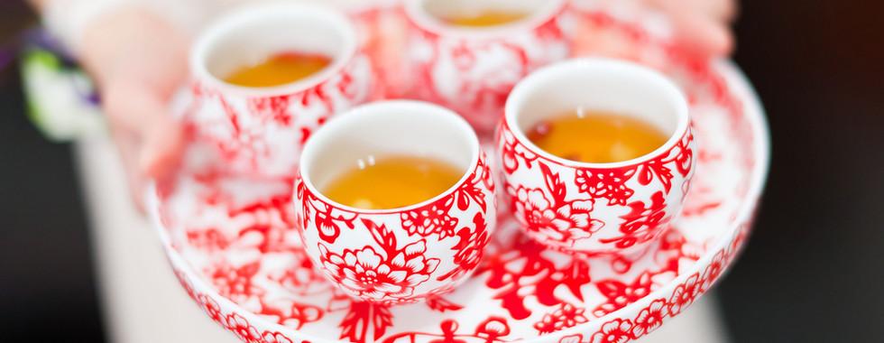 """Om du har möjlighet så kasta porslin och glas som är chippade eller spruckna. Det gamla uttrycket """"bara du är hel och ren"""" stämmer även inom Feng Shui."""