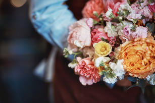 beautiful-bouquet-of-flowers-ATPDC9F_lo.