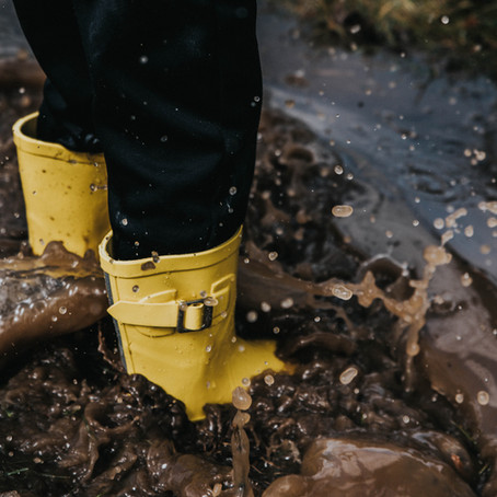 5 Tips For Capturing Puddle Jumping Pictures (using a phone or camera)