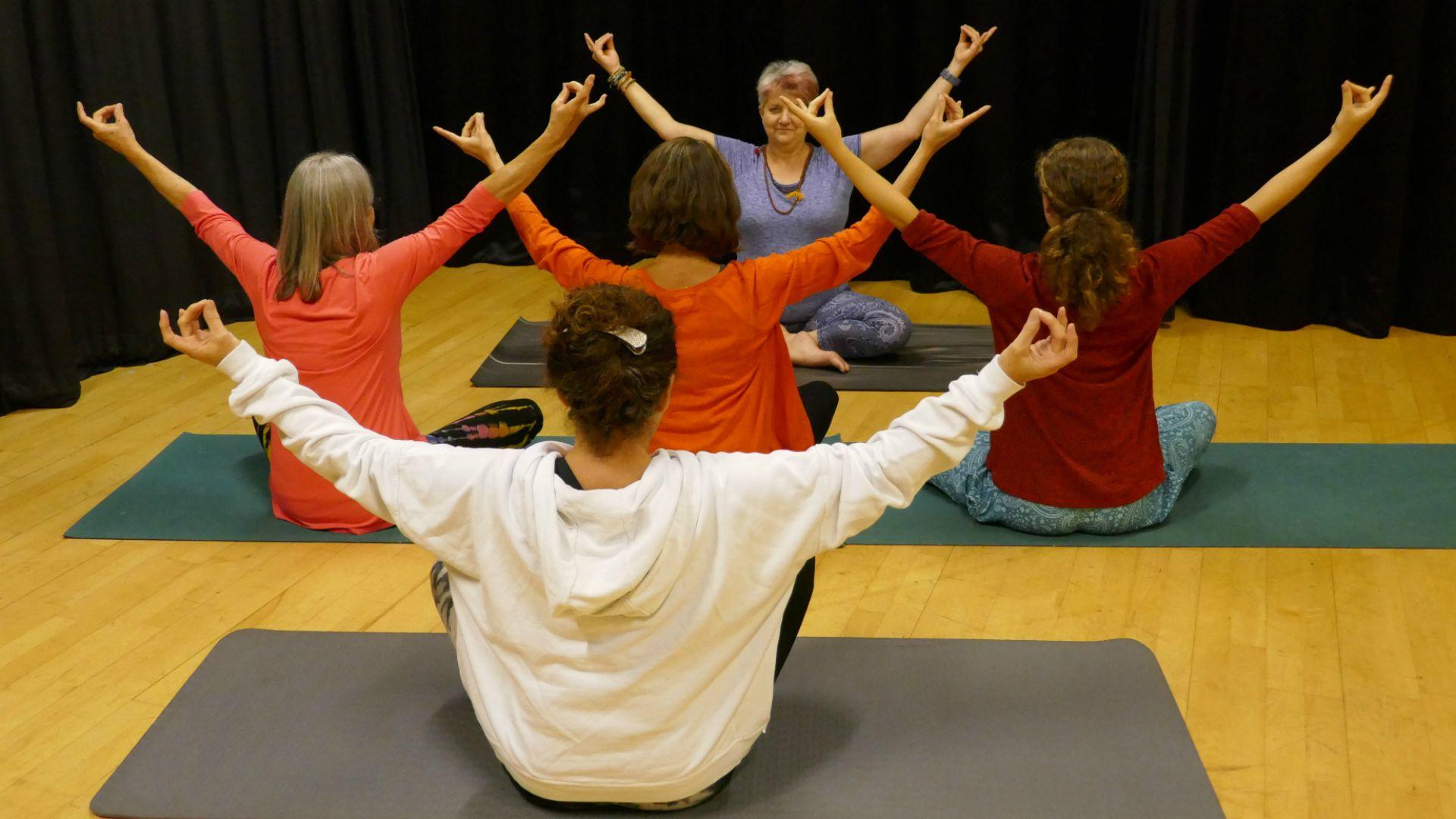 Monday Evening Online Hatha Yoga