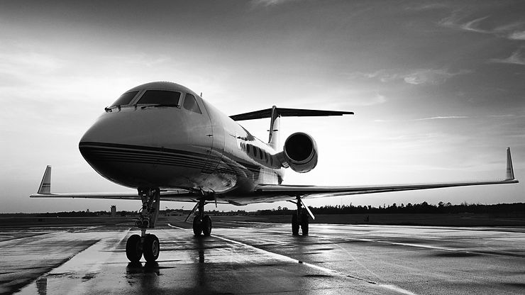 Image of a Gulfstream G650 private jet.