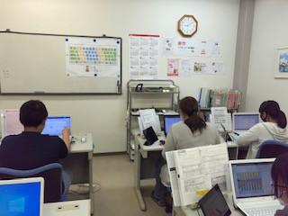 パソコン村愛野教室 受講開始から半年 親子で頑張っています!