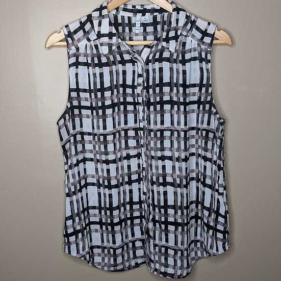 ELLE Plaid Sleeveless Button Down Blouse