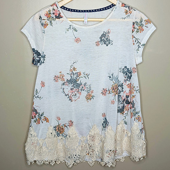 Xhilaration Lace Hem Floral Relaxed Fit Top