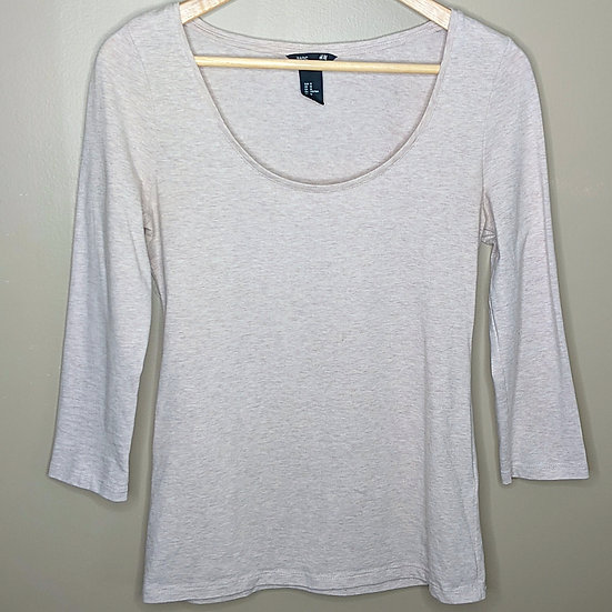 H&M Basic Scoop Neck 3/4 Sleeve Tee
