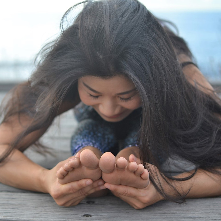 Online Yin Yoga - Dive into stillness with five elements theory