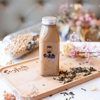 Lychee Black Tea Soy Milk.jpg
