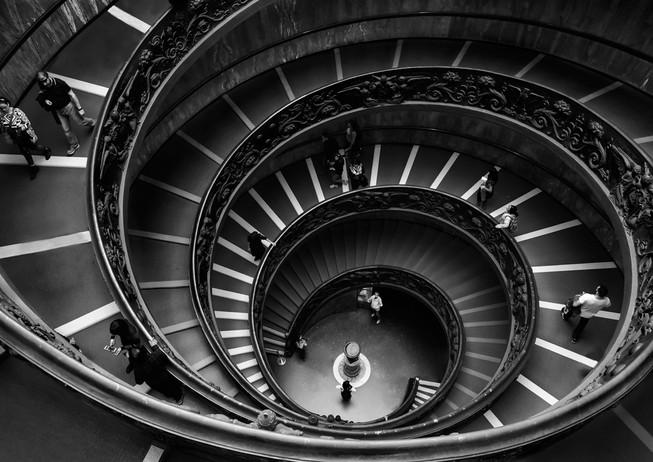 Vatican-Museum-Spiral-Staircase.jpg