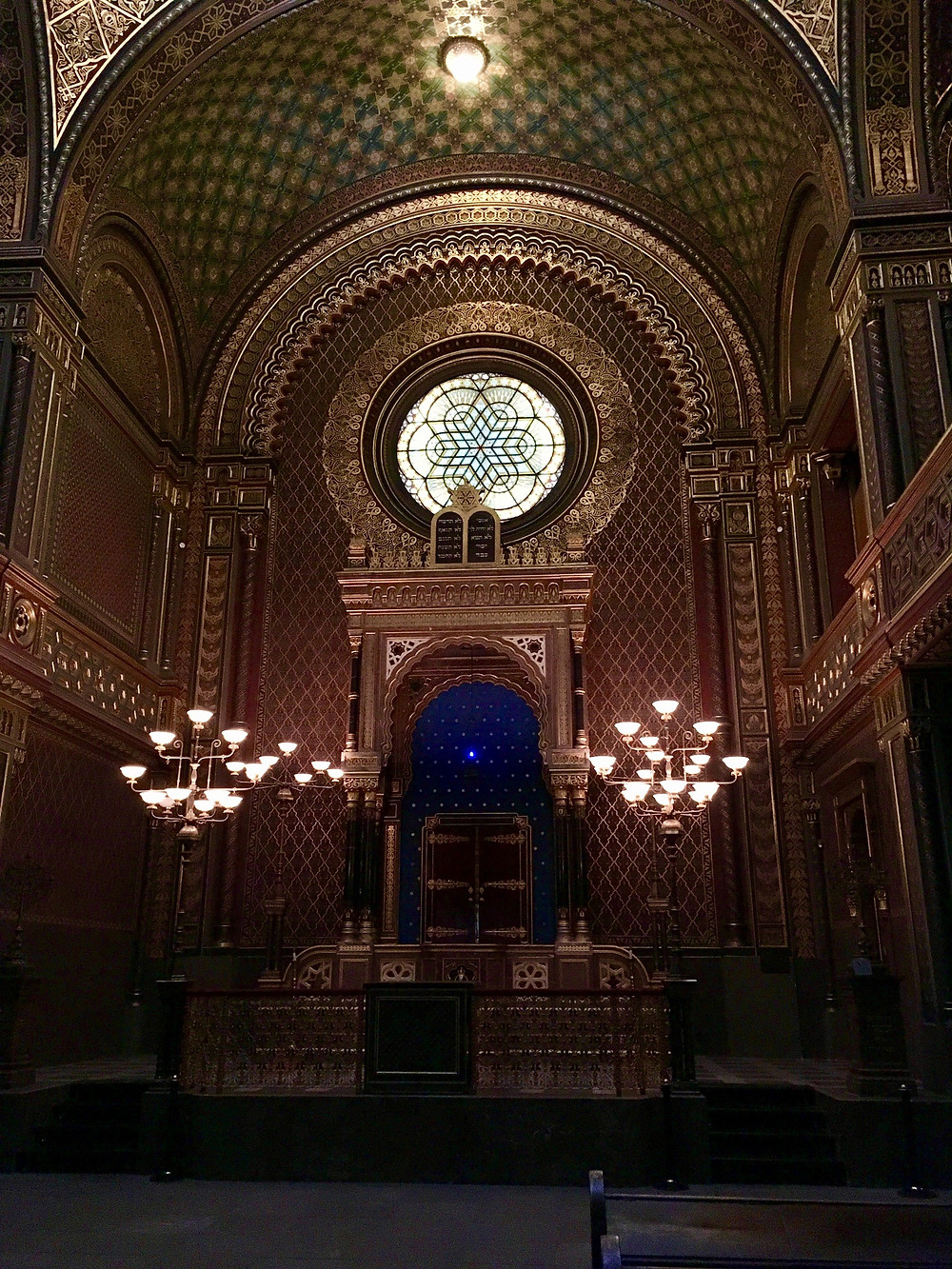 The spectacularly beautiful Spanish Synagogue